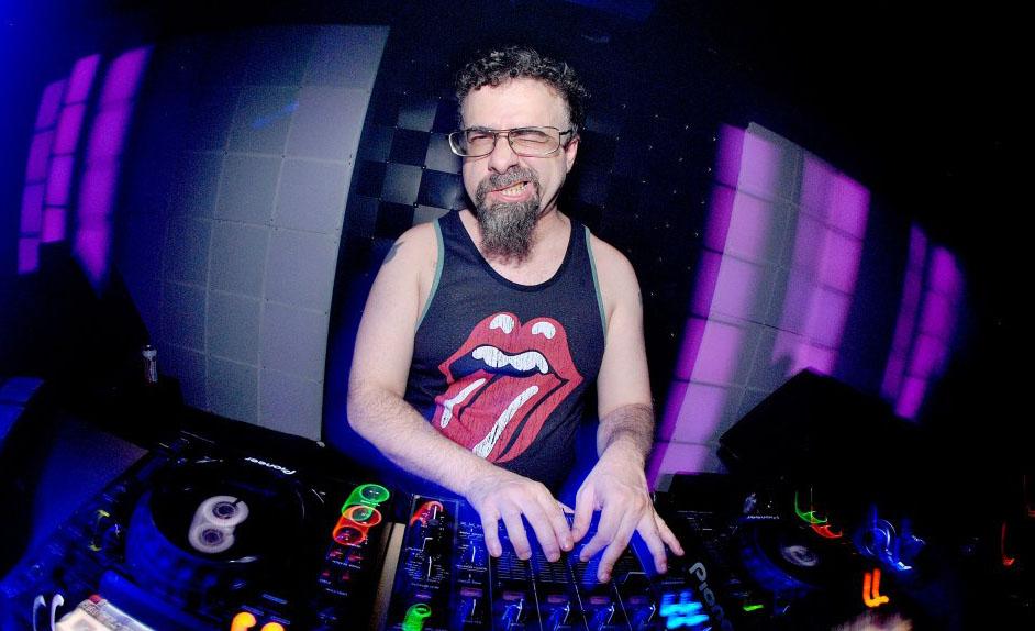 Um DJ politicamentelibertário